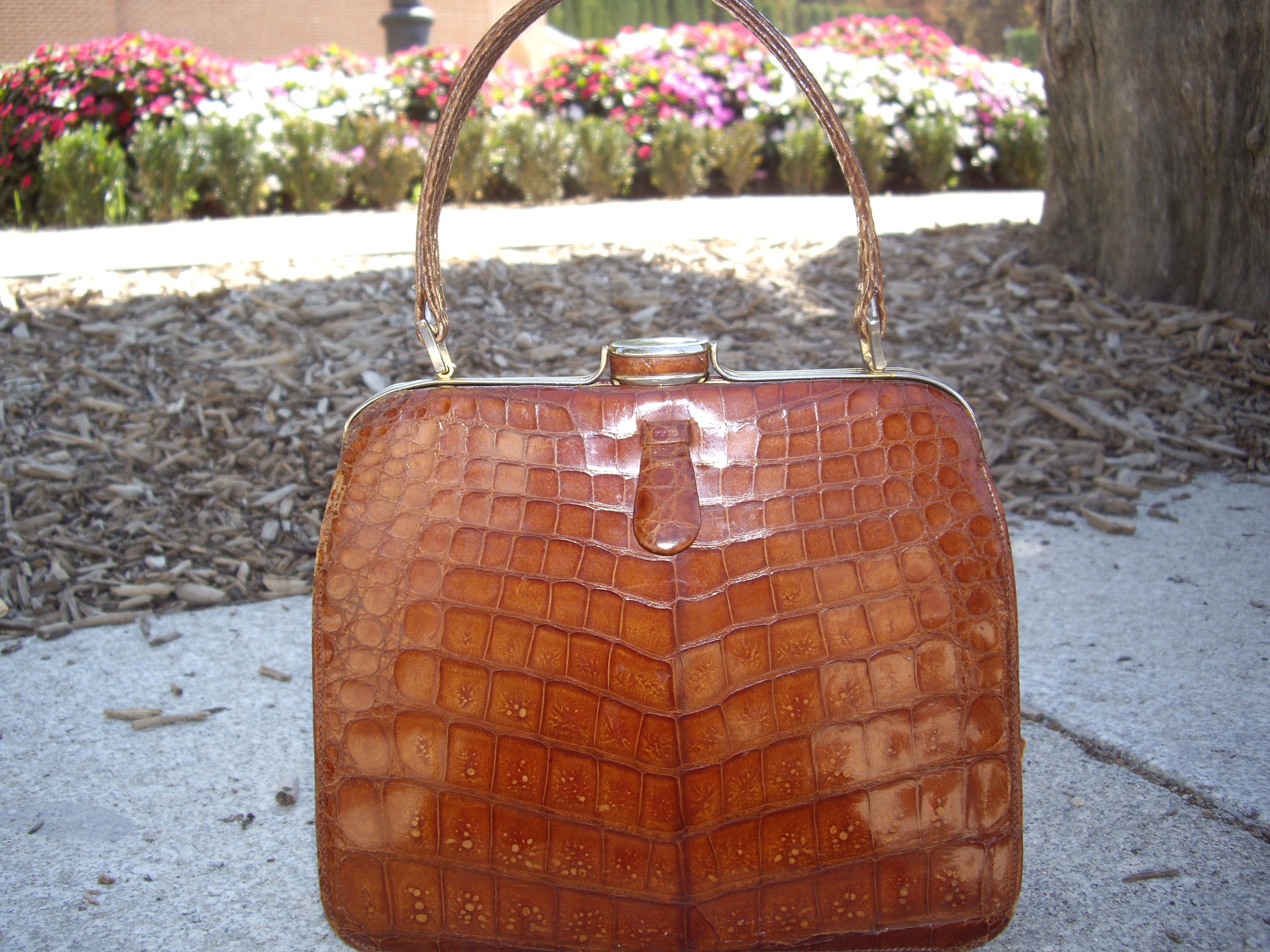 Paseando... con un bolso vintage Detalles Vintage Piezas Decó Vintage