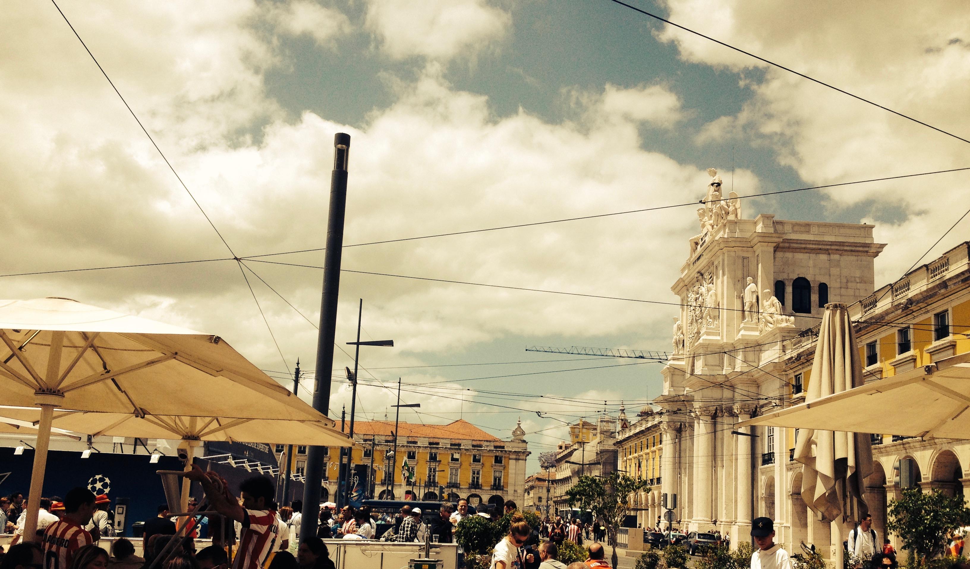 Paseando por... Lisboa, diario de un viaje Art Déco Lisboa Mercadillos Europeos