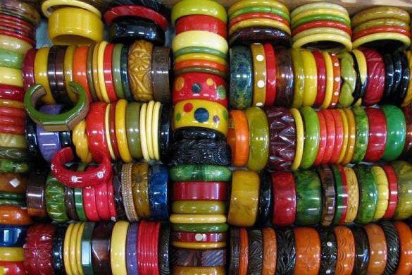 Paseando con ... un brazalete vintage Inspiraciones Vintage Joyas Vintage Mercadillos Europeos Piezas Decó Vintage
